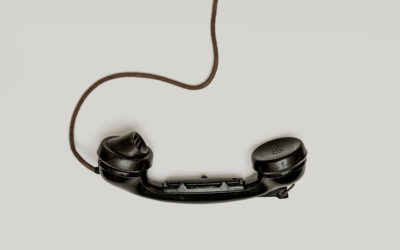 Abandoned phone illustrates the idea of keeping a customer waiting